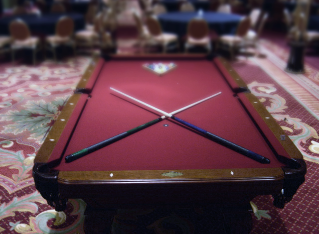 Games Pool Table 8ft L Web Cover